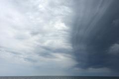 Under båtresan över till Blå jungfrun närmade sig den här fronten från norr...