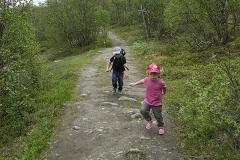 Elis och Klara på kungsleden - full fart!