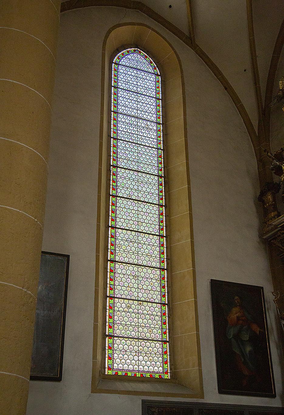 190801_5612_kyrkfönster
